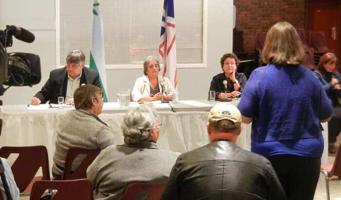Minimum wage town hall spawns stories of poverty
